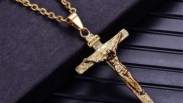 Crucifix pendentif doré