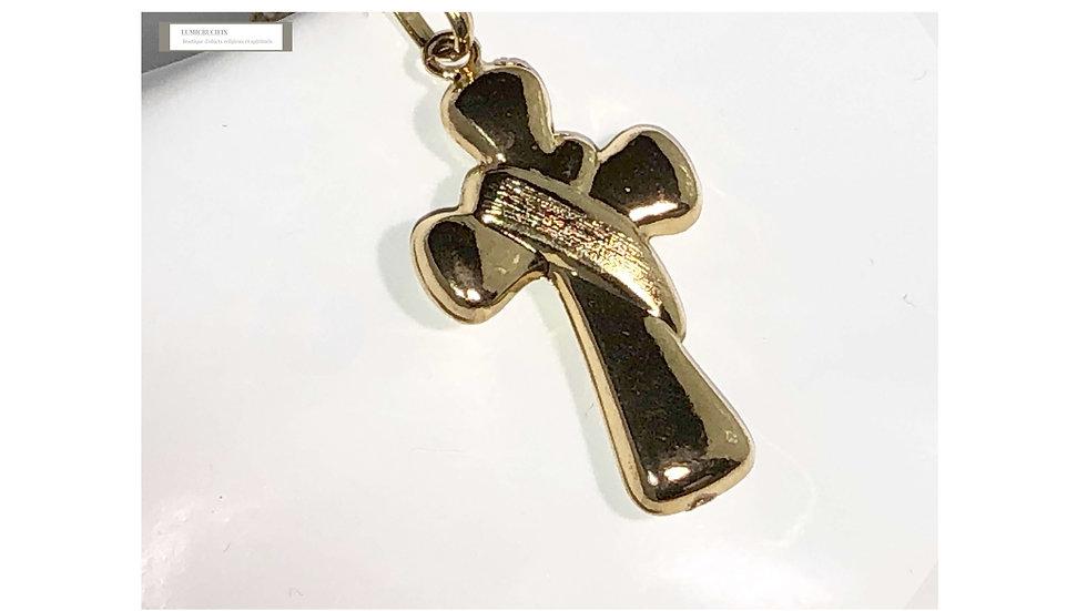 Croix pendentif et chaîne dorés