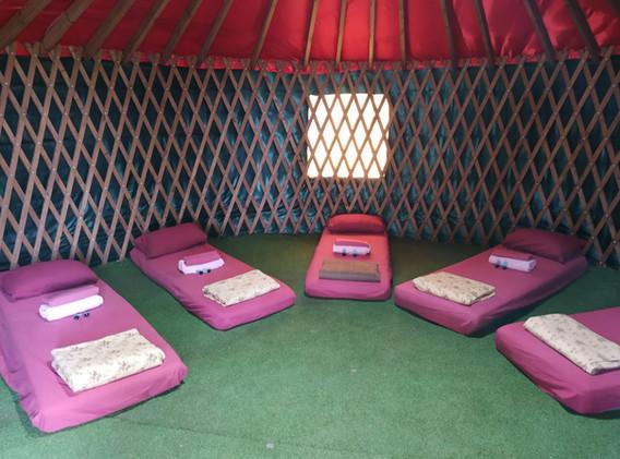 אוהל מונגולי (שטח) ממוזג- לינת מזרנים