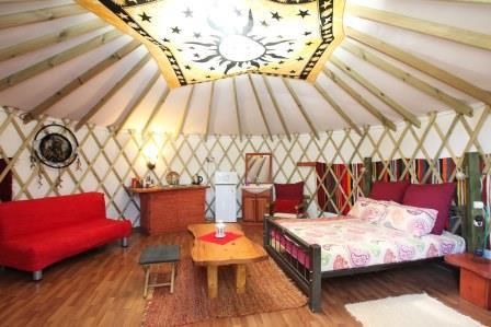 אוהל מונגולי זוגי מפואר