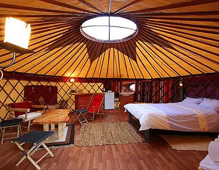 אוהל מונגולי זוגי מפוארjpg