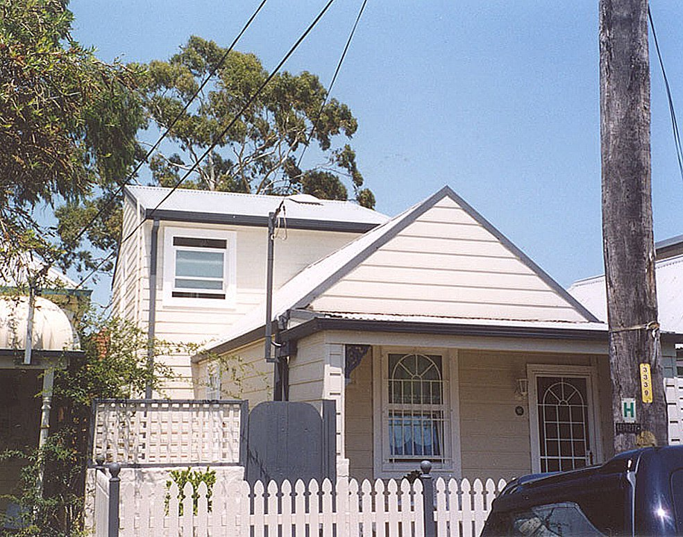 Stanmore - Front