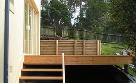 Dundas - Deck