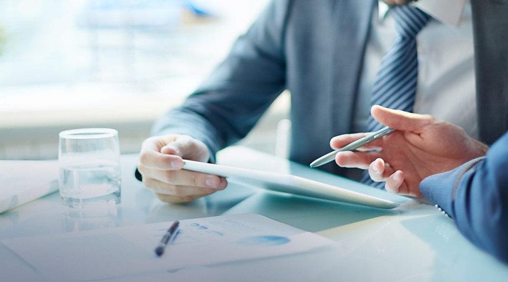 business-meeting-with-iPad-1-1170x650.jp