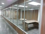 Divisiones de Oficina, Paneles de Oficina, Gypsum, Cielo falso, Ventanas, Maparas de vidrio, Puertas de aluminio y Vidrio, Divisiones en Melaminico, Puertas de baño, Puertas corrediza