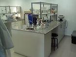Muebles de laboratorio, mesones de Granito, mesones de acero inoxidable, tarjas, lavabos,