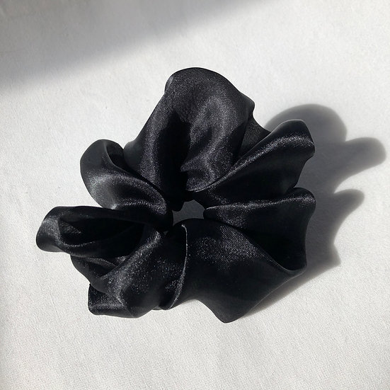 SHINE BLACK SCRUNCHIE