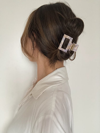 FRENCH CREAM VIOLET CLAWCLIP