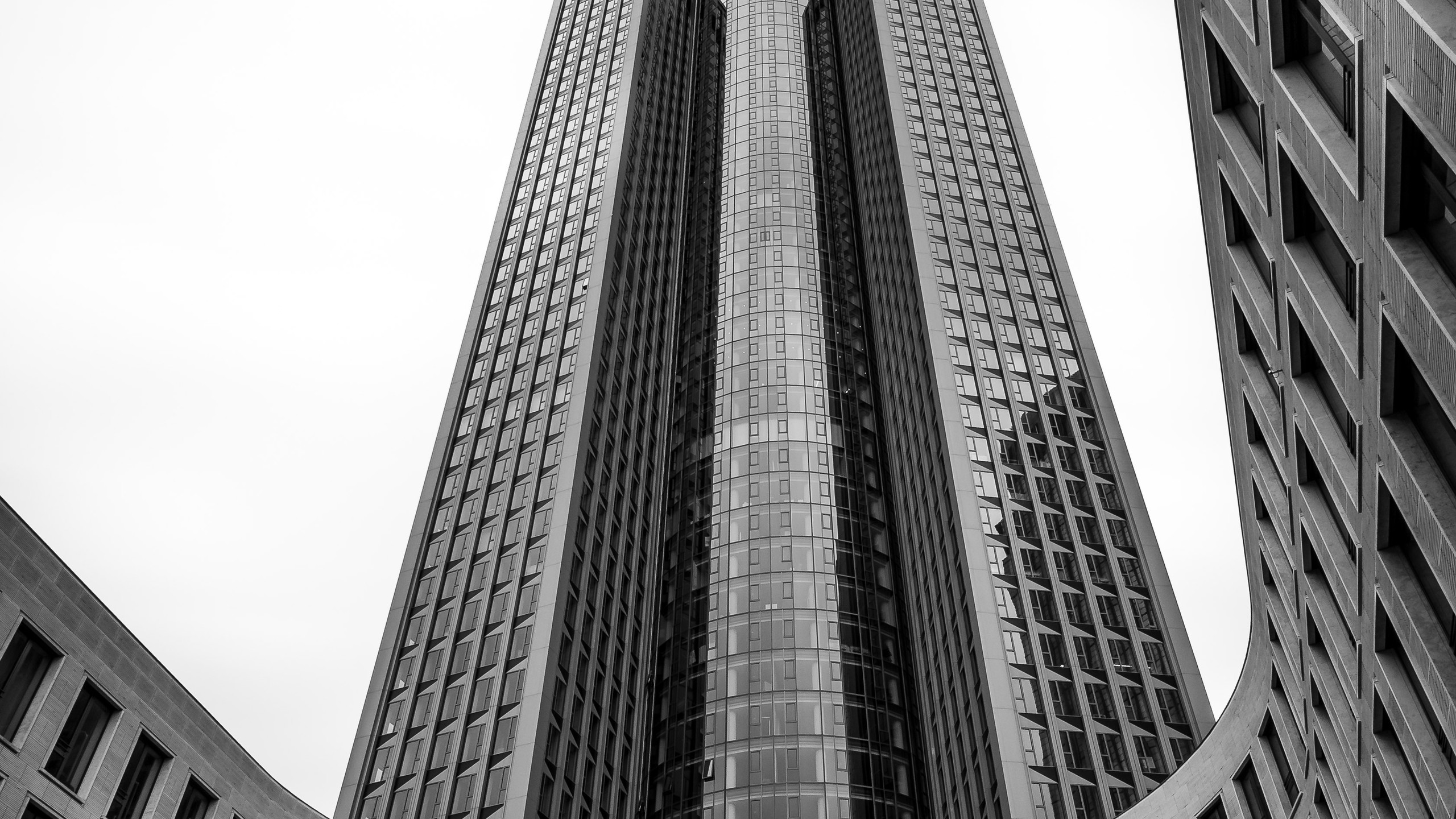 Frankfurt_TOwer185