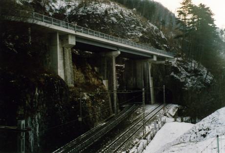 N4 Axenstrasse, Franziskusbrücke