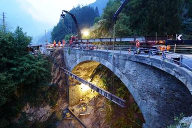 Gotthardstrasse, Brücke Intschialpbach (Notertüchtigung Bogentragwerk)