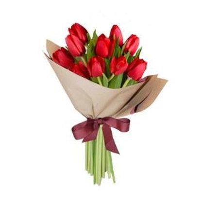 Ramo de 10 tulipanes rojos
