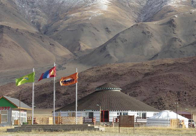 Юрточный кемпинг в Монголии.