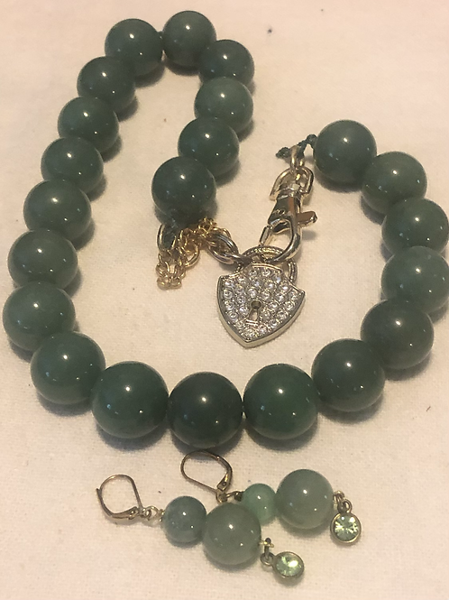 Jade Necklace with Marching Pierced earrings