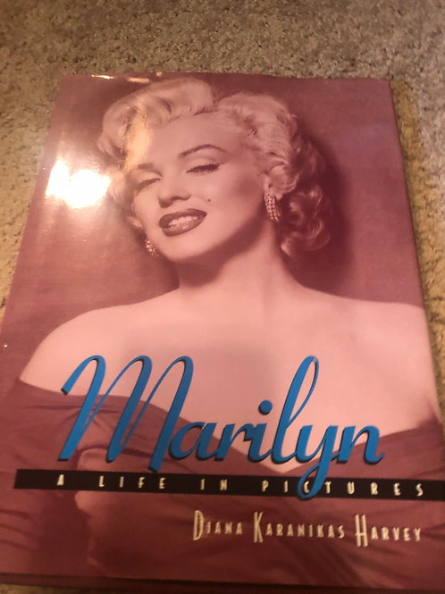 MARILYN , A LIFE IN PICTURES BOOK