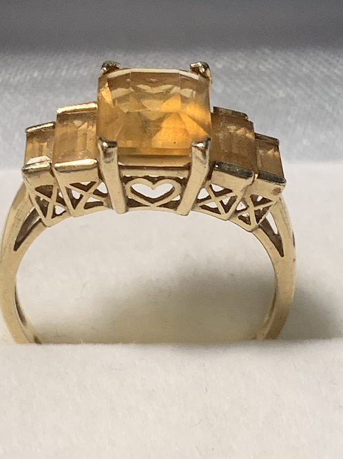 10K Gold Vintage Gemstone Ring