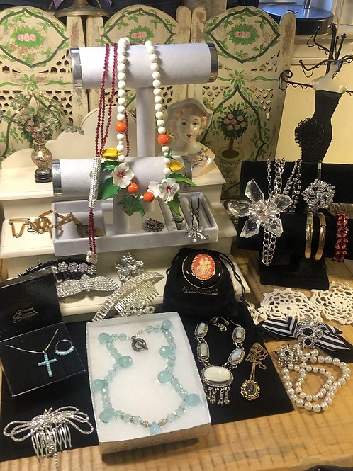 Magnificent vintage signed jewelry lot