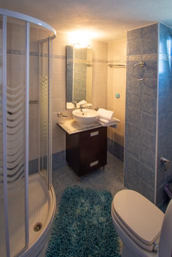 Guestroom 2 - Bathroom