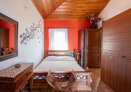 guestroom 2c.jpg