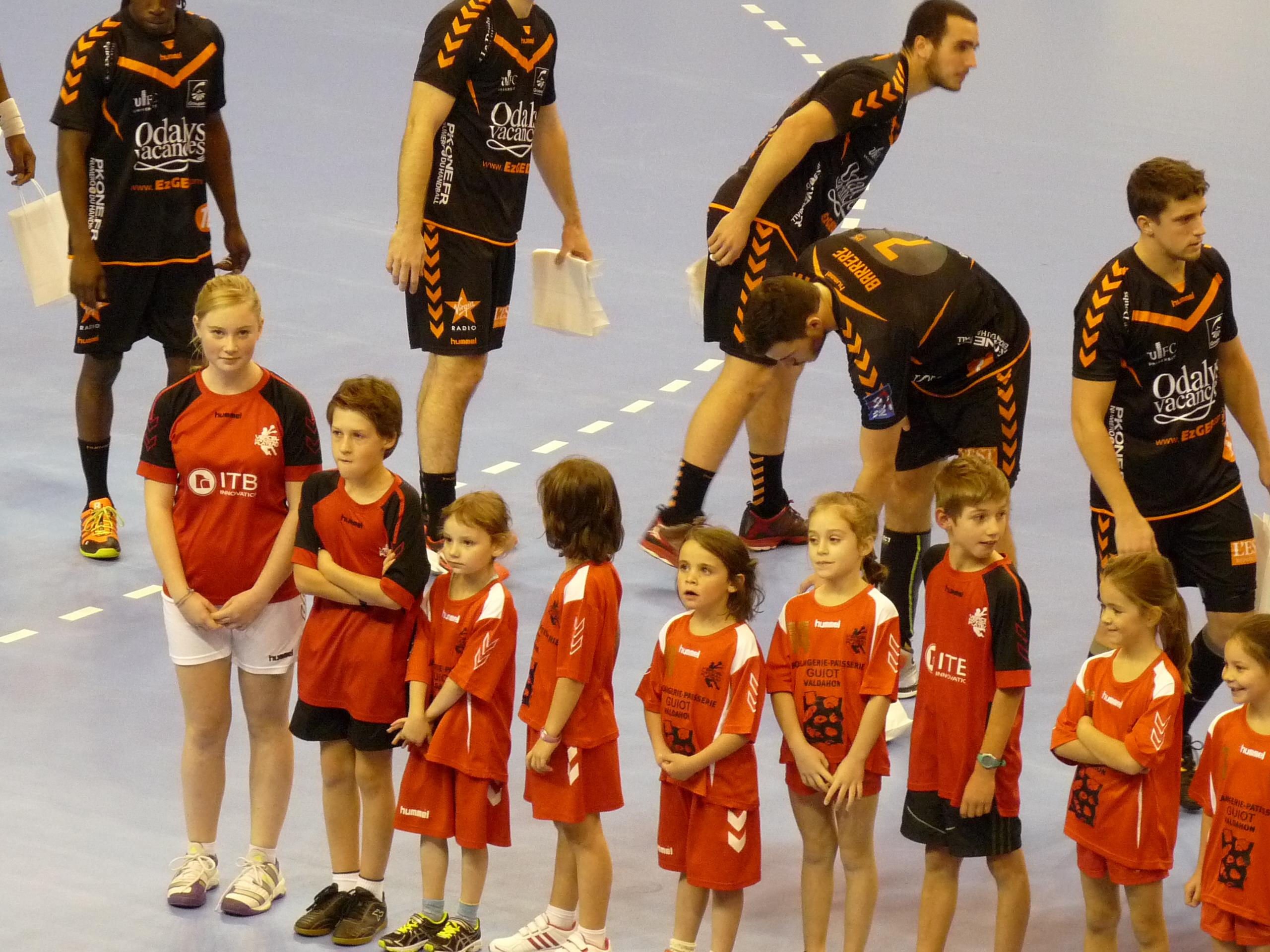 L'équipe de l'ESBM avec nos jeunes