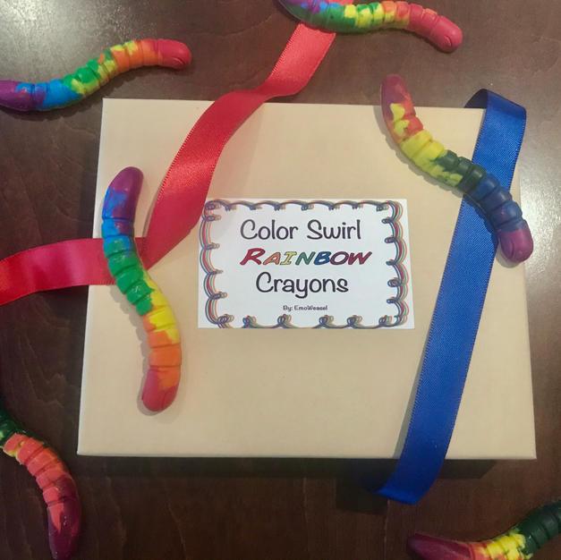 Color swirl rainbow crayons