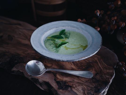 【おはなし、スープ-レシピ編-】ほんのりスパイシーな、グリンピイスのポタージュ