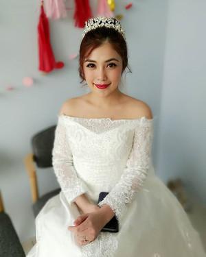 The lovely bride Urica! Thanks for havin