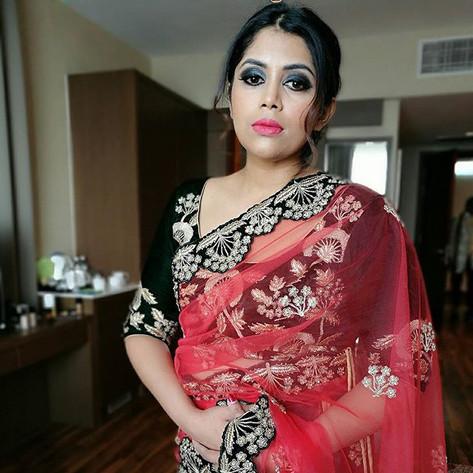 Lovely bride gaya!! ❤👰 She looks glamor