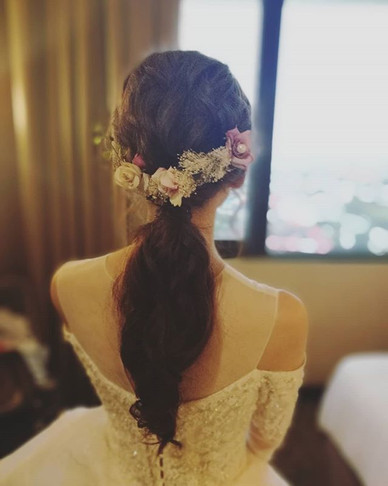 Pony tail updo for the lovely bride!👰❤