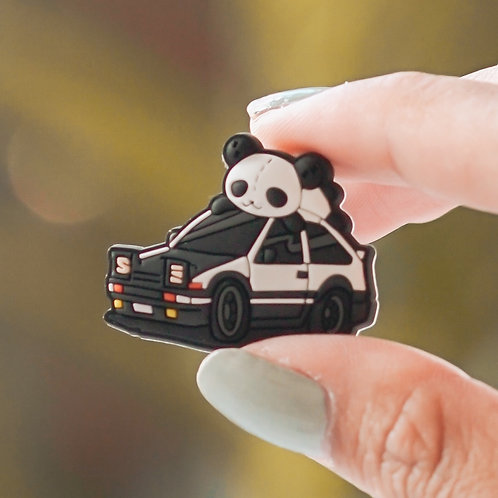 AE86 Panda Collectible Pin