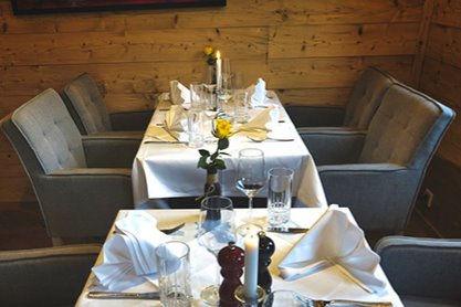 Tisch 3 (2 - 4 Personen)