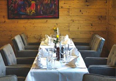 Tisch 4 (2 - 4 Personen)