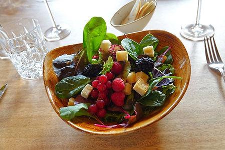 hochwertig angerichtete Speisen mit Lebensmitteln aus der Region, im Restaurant Zwei Jahreszeiten Bad Harzburg