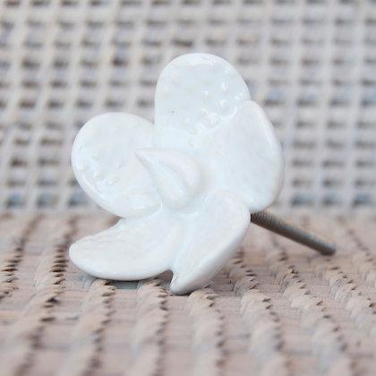 Tirador flor nueva blanca