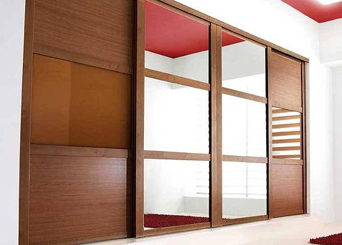 Slidding wardrobe doors