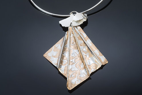 PENDANT ON COLLAR, STERLING SILVER