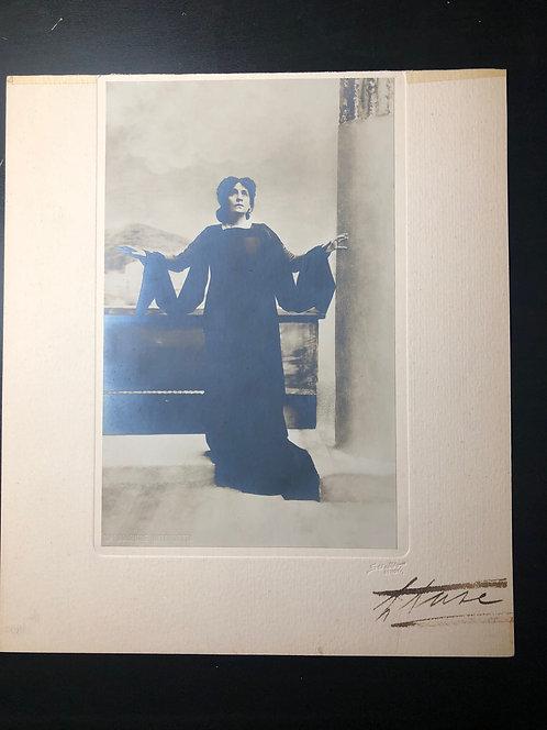 RARE! Stage actress ELEONORA DUSE 1858-1924 autographed Sciutto photograph
