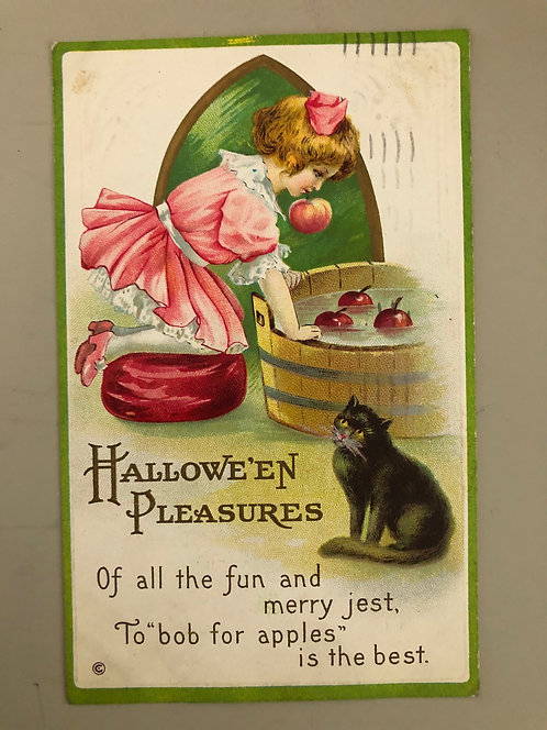 Antique 1915 HALLOWEEN Postcard CUTE Little girl bobbing for apples BLACK CAT