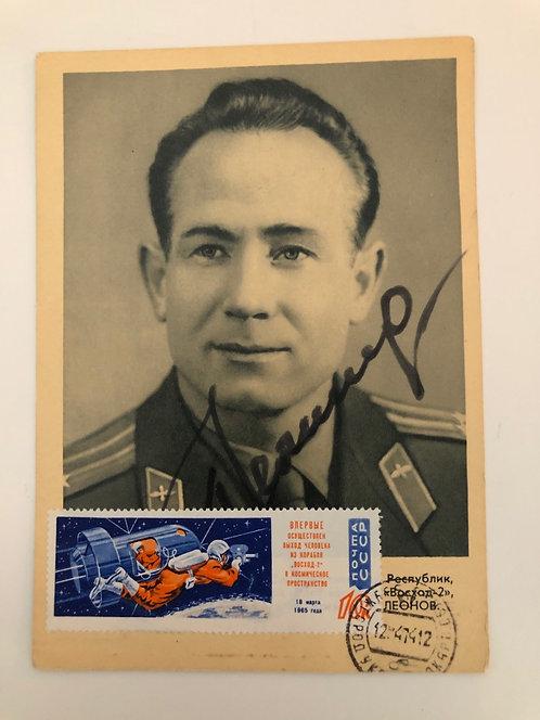 Alexi Lenov 1965 Signed Postcard Photo / Russian Cosmonaut / Autographed