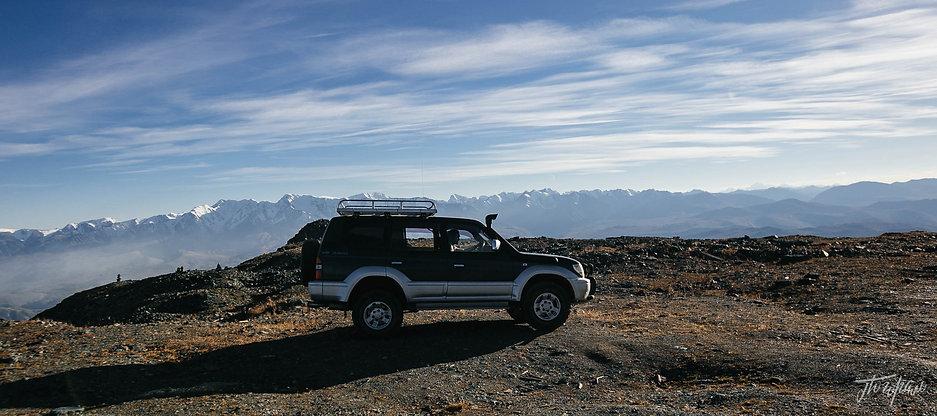 Пейзажи Северо-Чуйского хребта  с смотровой площпдки Акташского ретранслятора. Высота 3000м.