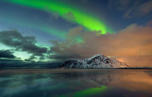 Aurora over Skagsanden Lofoten Norway.jp