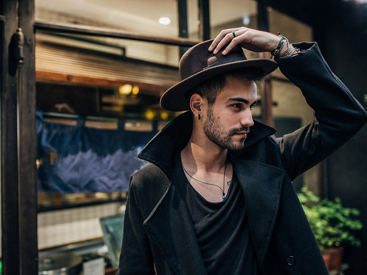 attractive-guy-in-elegant-clothing-pictu