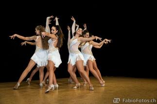 Auftritt der Tanzgruppe Las Estrellas