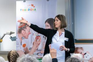 Moderatorin Martina Bärtschi beim Info-Brunch Event der Stiftung Theodora