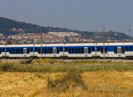 How can cross-border cooperation develop sustainable mobility?