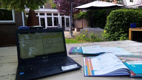 """Picture 4: """"home office"""""""
