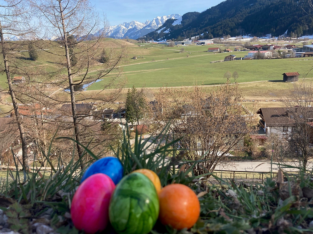(Easter egg)s: Easter is around the corner! Although I love snow, I'm really looking forward to the spring in the Alps.