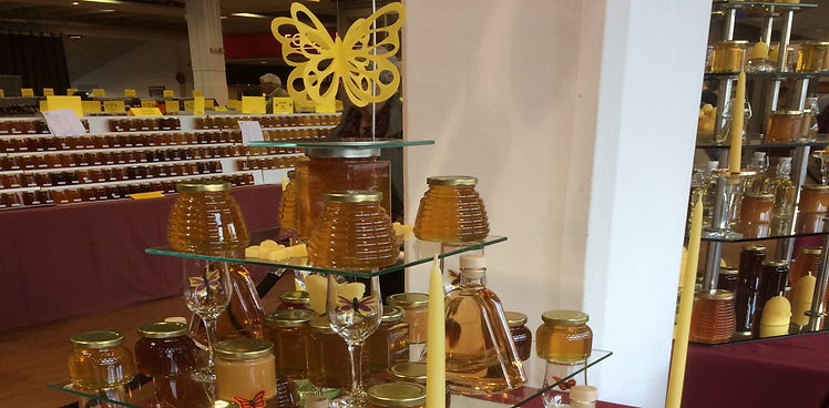 Honey Jars Background.jpg