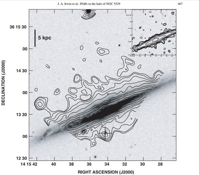 Distribution des PAH autour de NGC 5529 à λ 6.75 µm