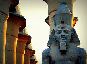 Ramses_II_in_Luxor_Temple.jpg